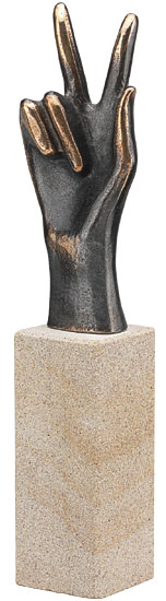 """Skulptur """"Geschafft"""", Bronze und Stein"""