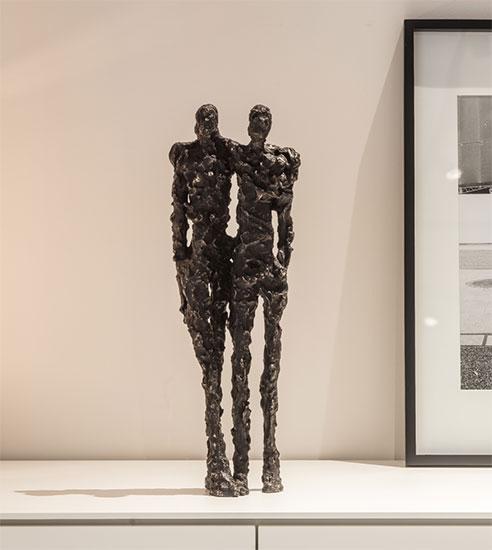 """Skulptur """"To Embrace"""", Bronze"""