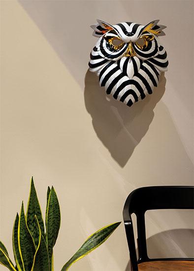 "Wandobjekt ""Owl Mask Black and Gold"", Porzellan"