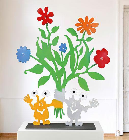 """Skulptur """"Monster mit Blumenstrauß"""""""