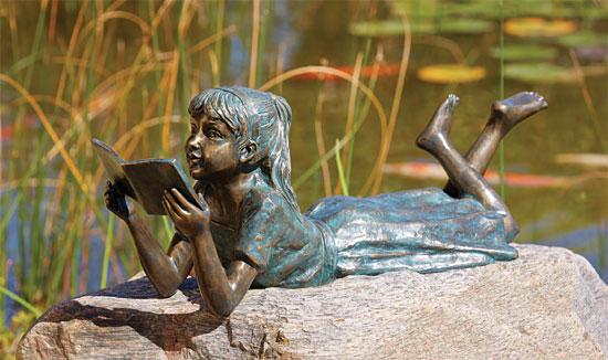 """Gartenskulptur """"Lesendes Mädchen"""", Bronze"""