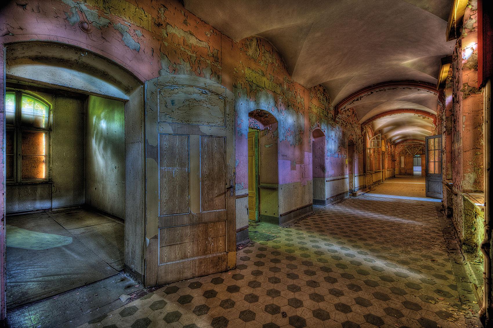 Olivier Lacour: Bild 'Gang met kleuren'