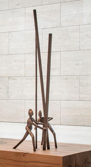"""Skulptur """"In Between"""", Bronze"""