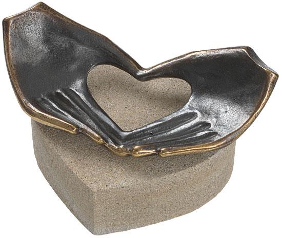 """Skulptur """"Von Herzen"""", Bronze und Stein"""