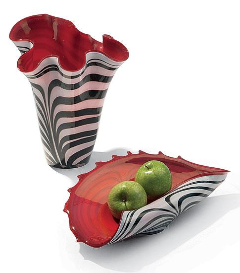 Glasvase und -schale rot-weiß im Set (ohne Deko)