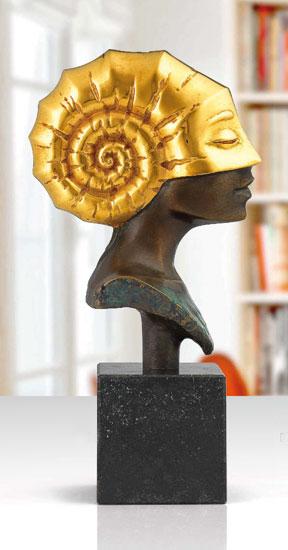 """Büste """"Kopf der Ammonite"""", Version in Bronze teilvergoldet"""