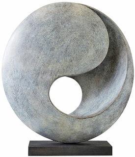 """Skulptur """"Ruhend"""" (2015), Bronze"""