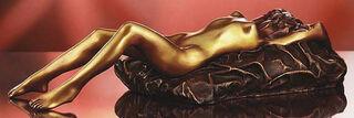 """Skulptur """"Liegende mit Kissen"""" (2005), Bronze"""