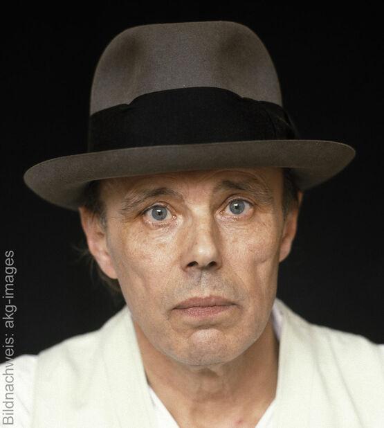 Porträt des Künstlers Joseph Beuys