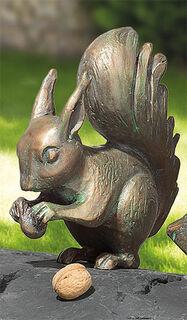 """Gartenskulptur """"Eichhörnchen mit Nuss"""", Bronze"""