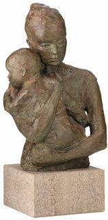 "Skulptur ""Geborgenheit"" (Version mit Sockel), Bronze"