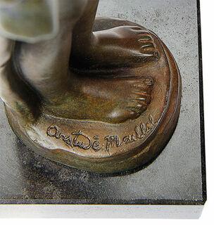 """Skulptur """"Baigneuse debout drapée - Stehende Badende mit Tuch"""" (1900), Reduktion in Bronze"""
