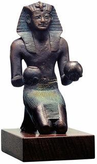 "Skulptur ""Opfernder Pharao Thutmosis IV."", Metallguss"