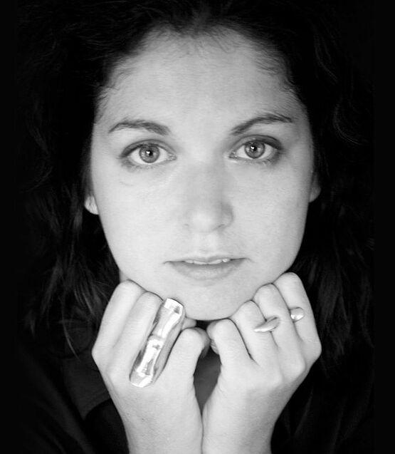 Porträt der Künstlerin Vanessa Mitrani