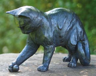 """Gartenskulptur """"Verspielte Katze mit Ball"""", Bronze"""